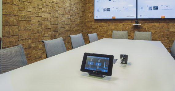 Jak wygląda przyszłość złączy wideo w salach konferencyjnych?